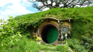 Behind-the-Scenes-Video-of-Hobbiton-Set-in-New-Zealand